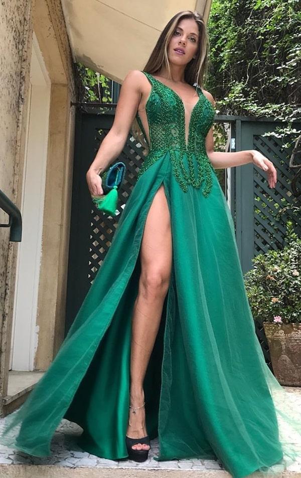 vestido de festa verde com fenda para madrinha de casamento