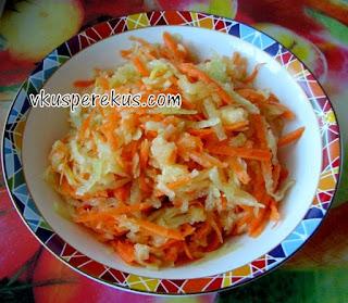 салат с редькой, морковью и яблоком