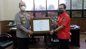 Polda Jambi Terima Penghargaan Pengendalian Kebakaran Hutan dan Lahan Tahun 2020