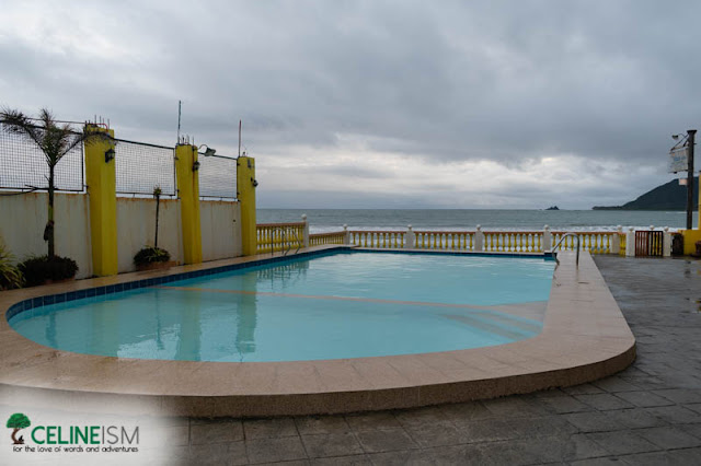 baler accommodations with swimming pools