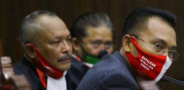 Iwan Sumule: UU Corona Bentuk Kejahatan Serius Terhadap Konstitusi Negara, MK Wajib Batalkan!