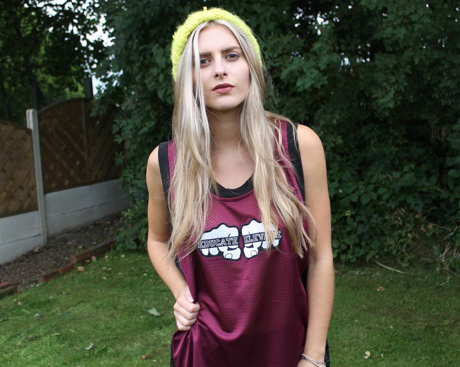 2016 High School Senior girl for posing picture ideas ... |Plum Basketball Dress