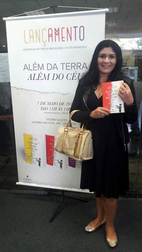 Escritora Luciene Freire tem poema de sua autoria publicado em livro em Portugal