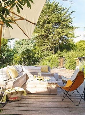 http://www.lejournaldelamaison.fr/le-journal-de-la-maison/reportages-maisons/maisons-bord-de-mer/cap-ferret-maison-charme-fait-bon-vivre-129065.html#post-129065#item=11