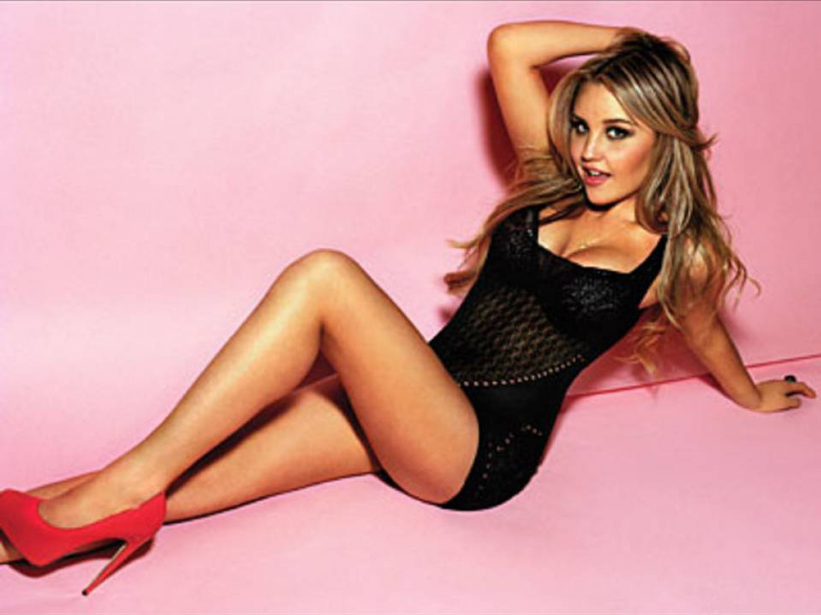Amanda Bynes Sexy Photos