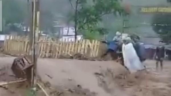 Banjir Bandang Terjang Ciparay Bandung, 152 KK Terkena Dampak