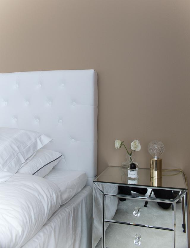 makuuhuone, yöpöytä, lee broom crystal bulb pöytävalaisin