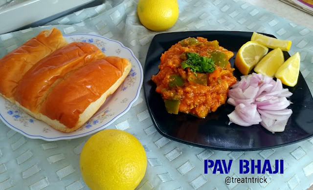 Pav Bhaji Recipe @ treatntrick.blogspot.com