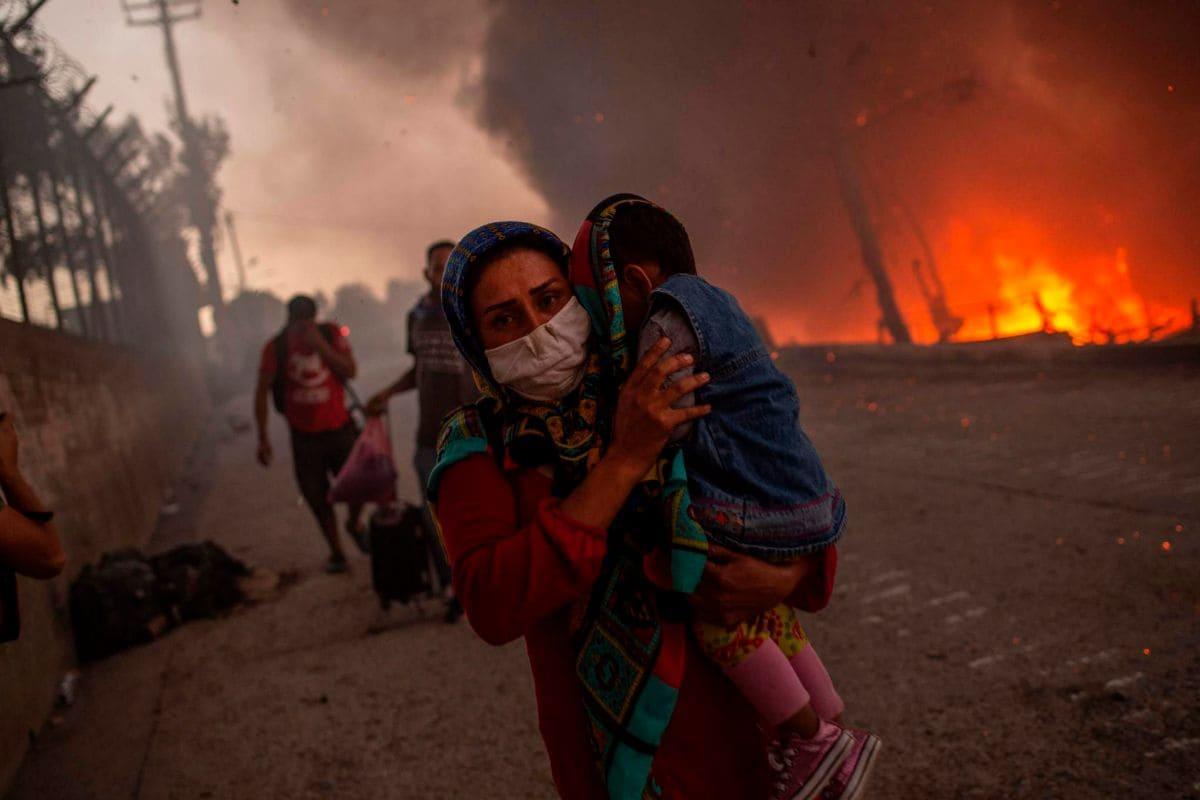 Denuncian que la situación no mejoró tras el incendio campamento de refugiados en Grecia