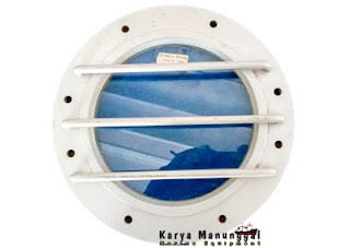 Jendela kapal laut