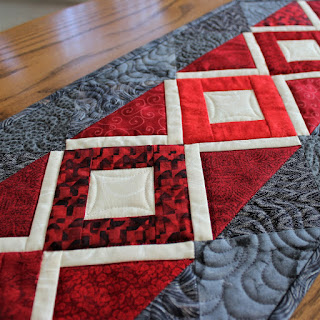 TABLE RUNNER-QUILT PATTERN-EASY-BEGINNER-PDF DOWNLOAD