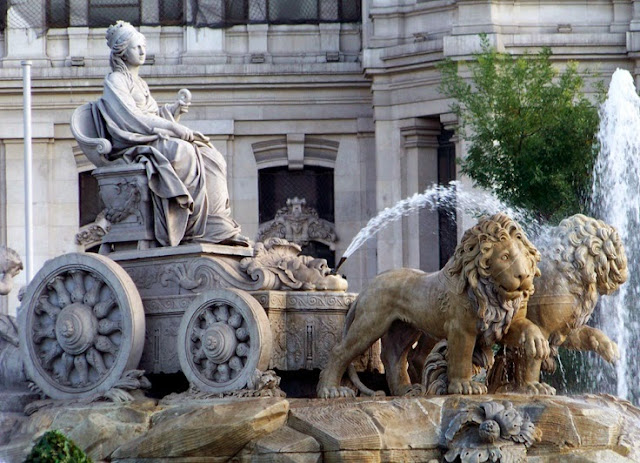 Monumen Cybele di Madrid, Spain