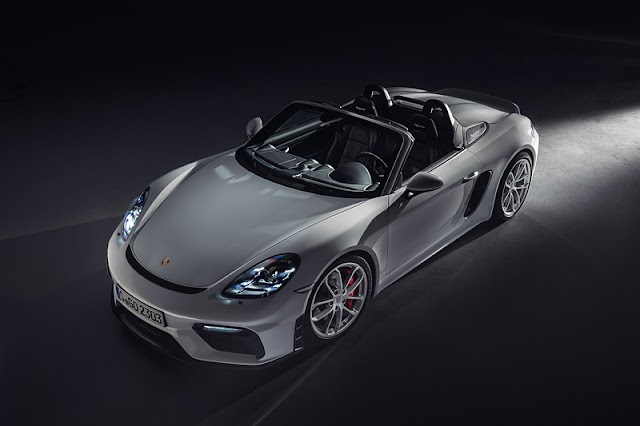 "Porsche, new ""718 Spider"" ""718 Cayman GT4"" reservation start"
