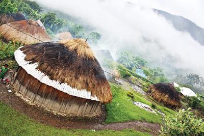 Keindahan Rumah Adat Papua