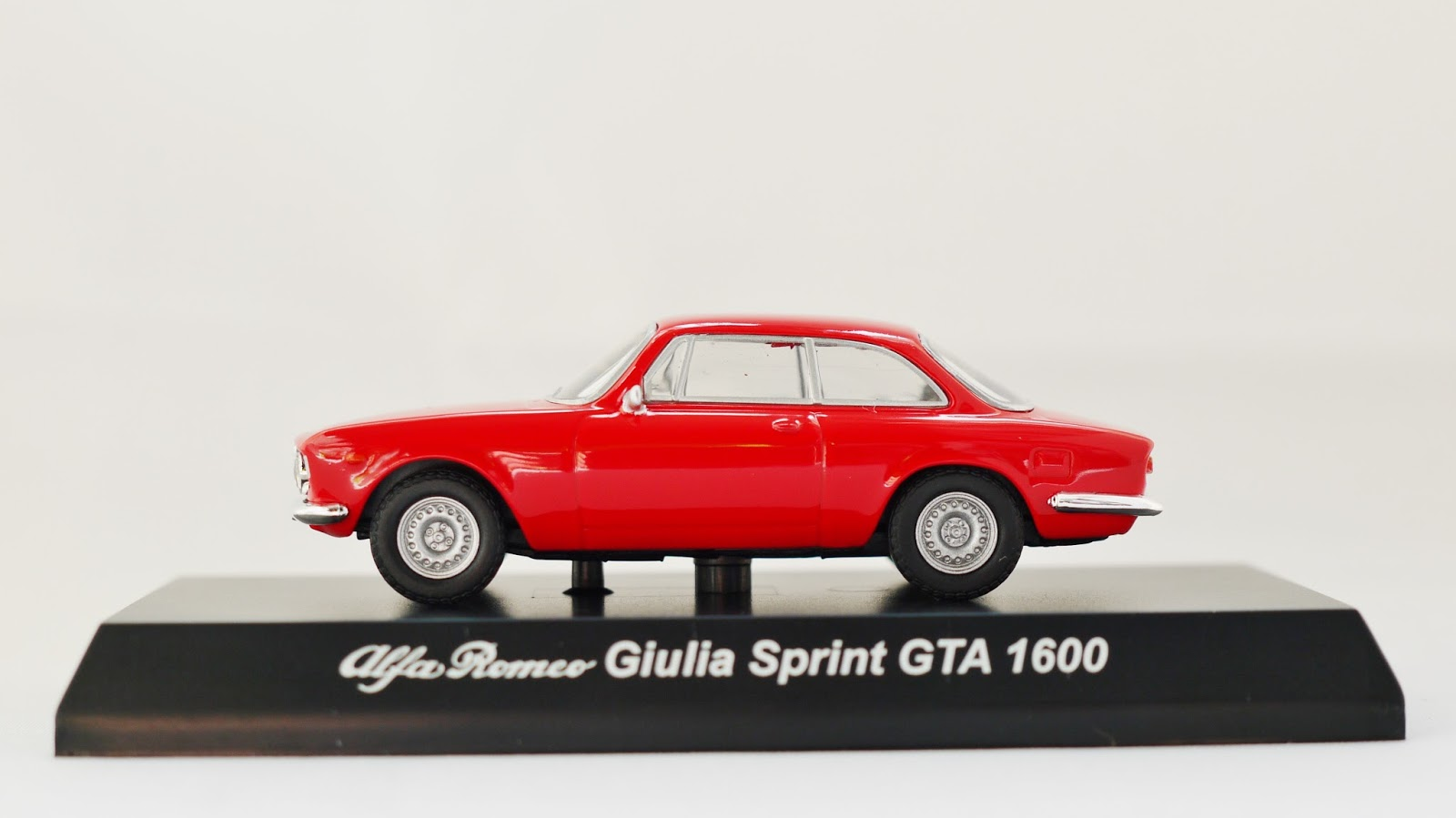 Kyosho 1 64 Minicar Collection Alfa Romeo Series Decorate For Giulia Sprint Gta 1300 Junior Red Color