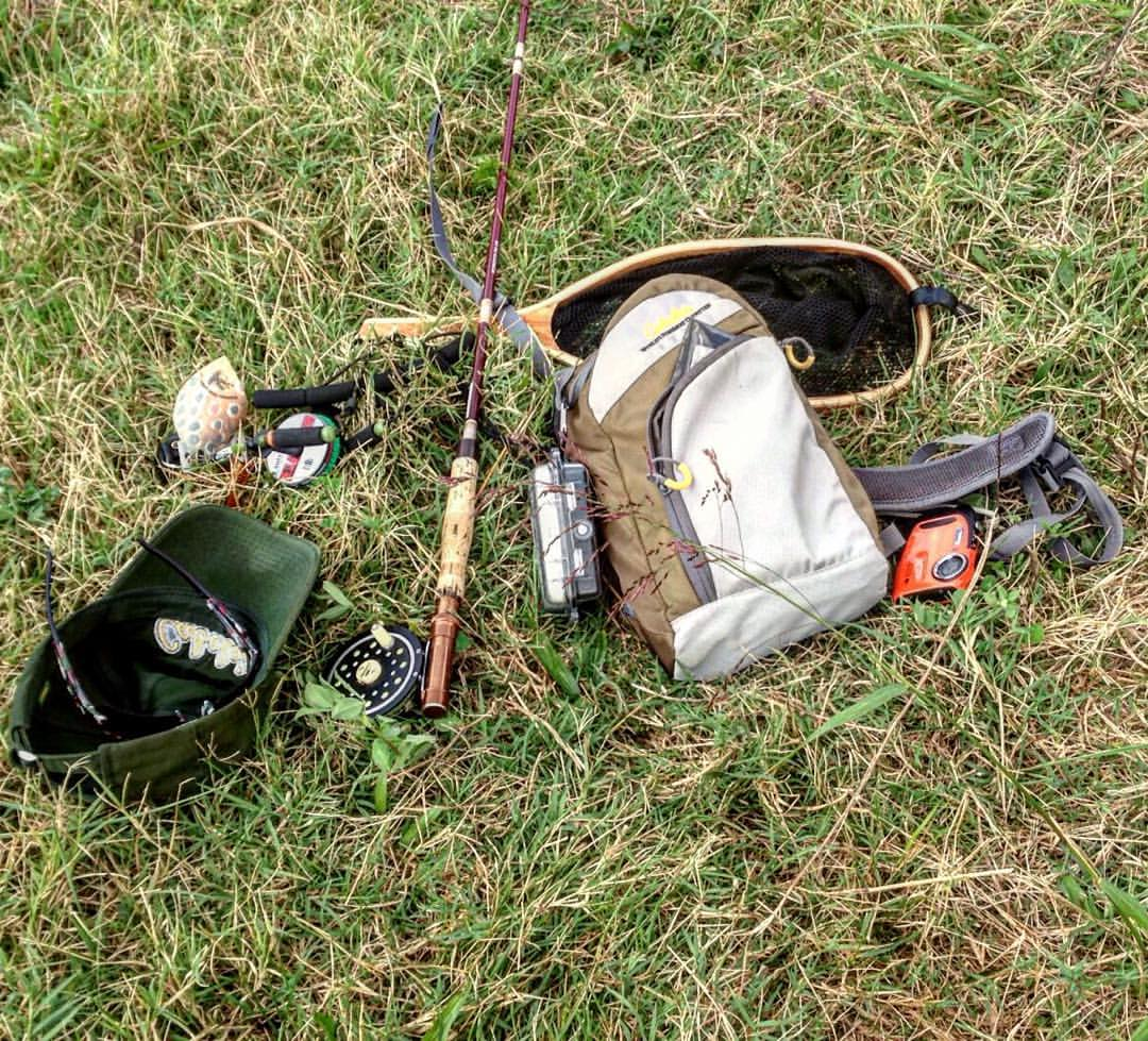 Buggin 39 out cabela 39 s advanced anglers sling pack review for Cabela s fly fishing