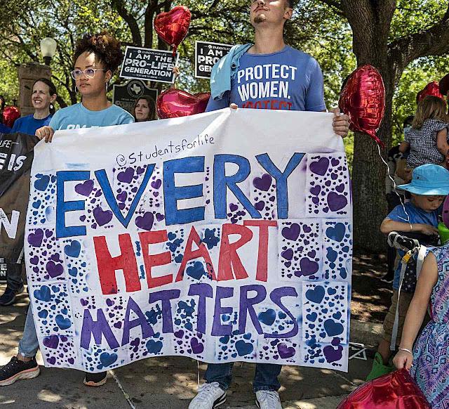 'Cada coração importa' dizem estudantes em Austin, Texas
