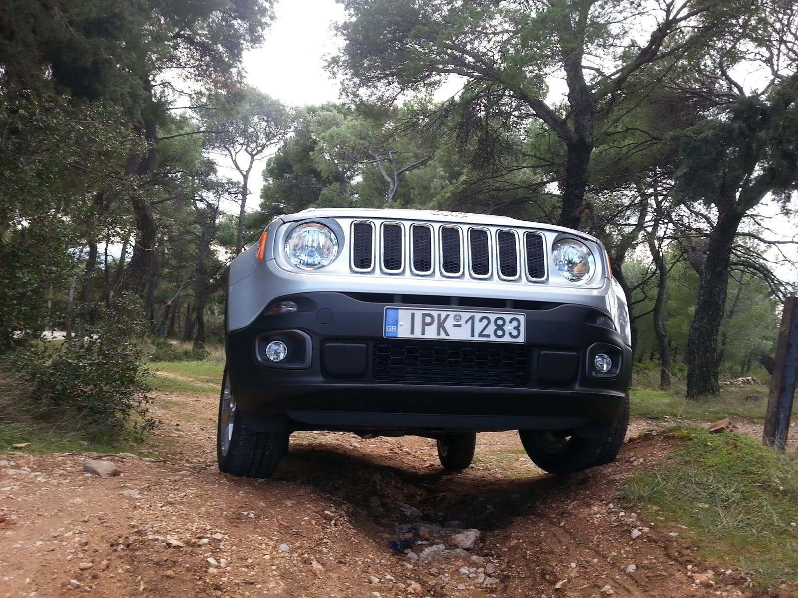 8 Ρίχνουμε ένα Jeep Renegade σε λάσπη, χιόνι, χώμα
