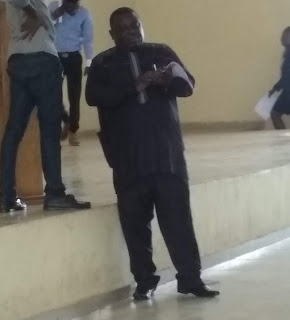 [Pictures]: A Lautech lecturer gave over 250 students money for refreshment during presentation.