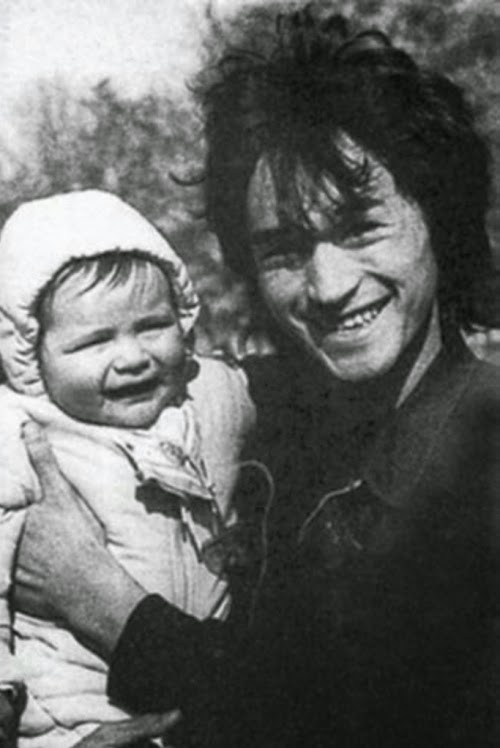 Маленький Саша  с отцом