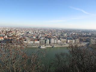 DIY costura: El gorro y la bufanda que me abrigaron en Budapest-Vistas desde el Monte Gellert 1