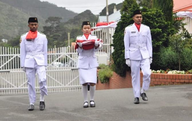 Kisah 2 Pemuda Kibarkan Bendera Merah Putih di Selandia Baru