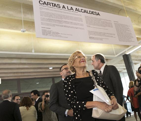 Un cuento de Carmena explica el Ayuntamiento a los niños madrileños