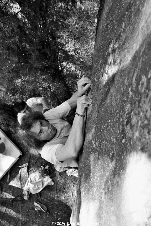 Didier Gérardin dans l'attraction des pôles, 5c, Bois Rond, Trois Pignons, (C) 2014 Greg Clouzeau