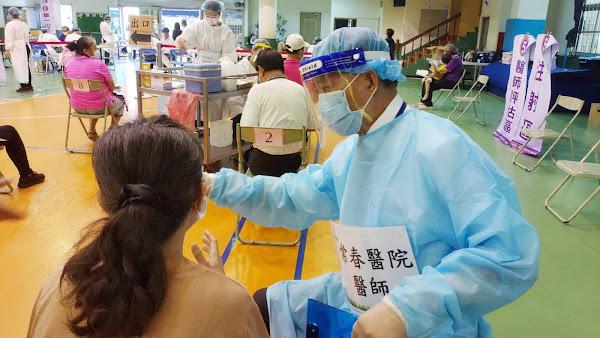 社頭國小快打站接種踴躍 員林常春醫院預計550人打疫苗