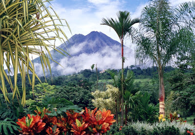 Beautiful beaches, diverse cultures, charming nature, relaxation, and lots of music. It is the mix to describe the trip to the heart of Costa Rica located in South America.