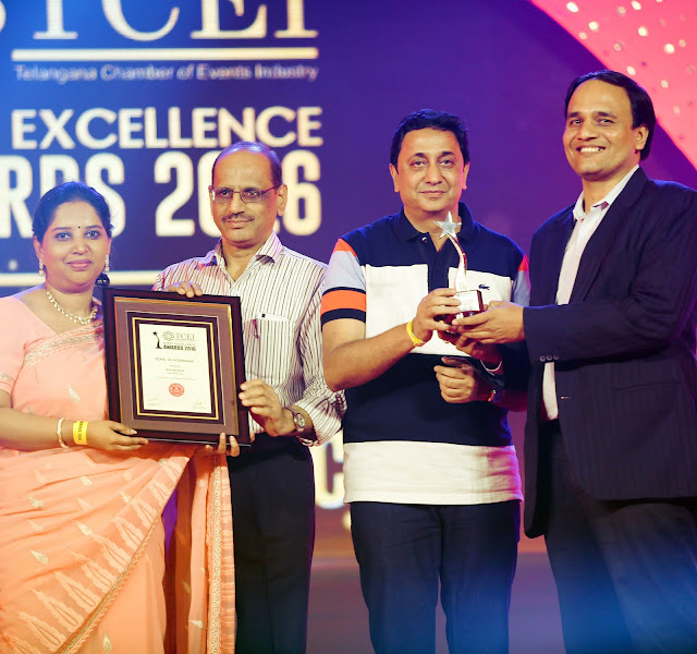 Mukta Kumar Director Communications and Anurag Kumar Director Operations Recieving the award TCEI