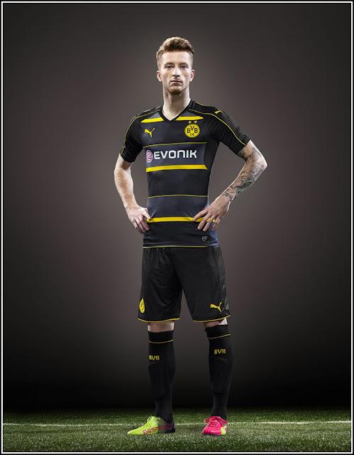 Marco Reus - BVB Borussia Dortmund 1617 Away by PUMA
