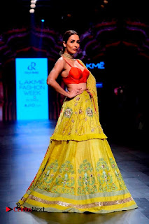 Bollywood Actress Malaika Arora Khan Walks on Ramp at LFW Summer 2017  0019.jpg