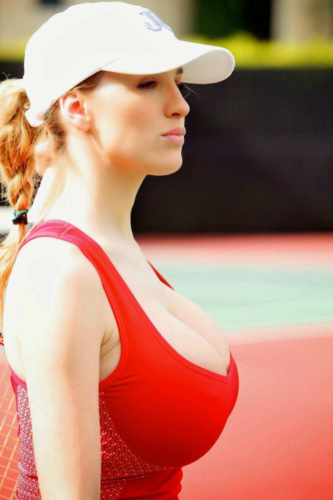 JordanCarver: Jordan Carver,tetona jugando Tenis ``Fotos