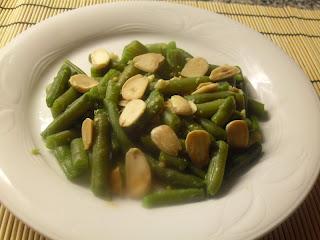 Receta de judías verdes con almendras y salsa de miso.