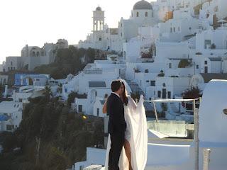 honeymoon Hotels in Santorini and Athens Greece