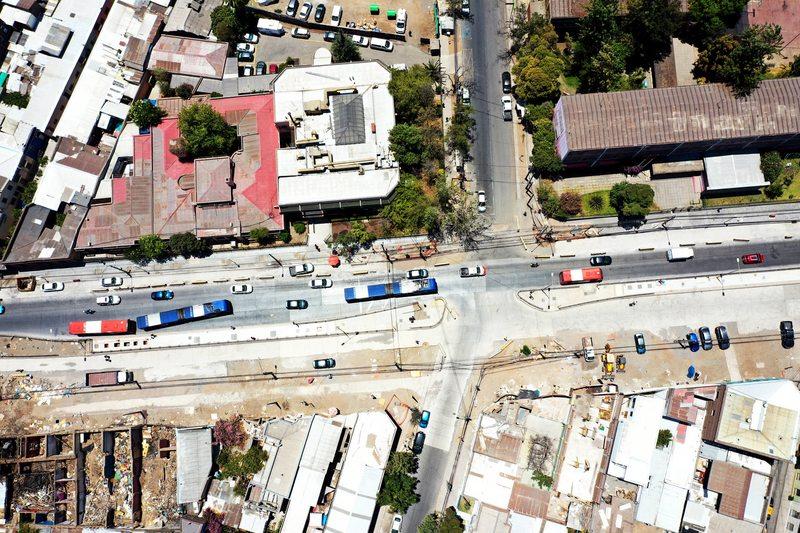 Corredor de buses de Independencia lleva 18 meses de atraso