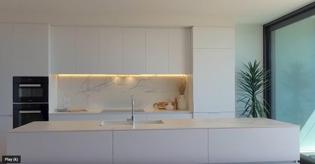 13 Photos vs. 250-254 Kepa Rd #104, Auckland Interior Design Tour