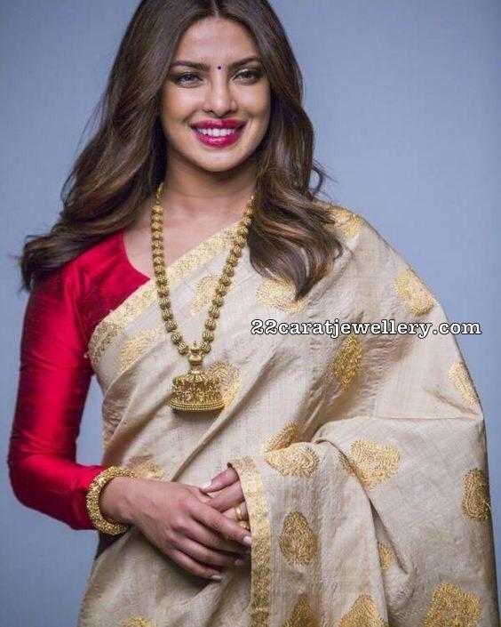 Priyanka Chopra Nakshi Balls Haram