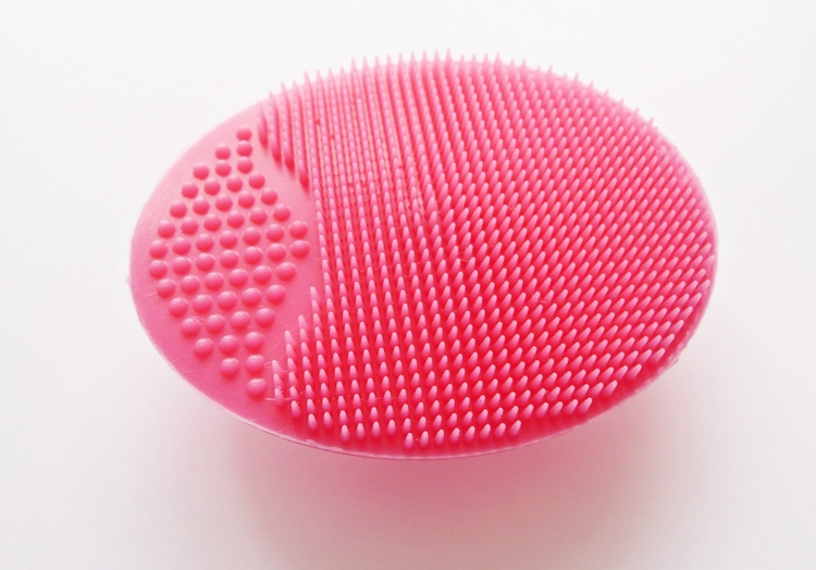 silikonowa myjka do twarzy rossmann