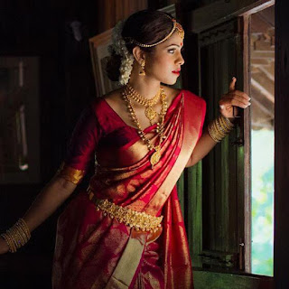 This South Indian wedding saree is definitely worth considering.