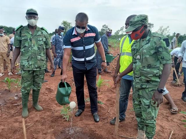 Commune Lacs2/ Le maire Benoit Amavi MENSAH  convie les togolais à attacher du prix à la protection de l'environnement