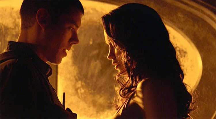 Chloe and Scott in Stargate Universe