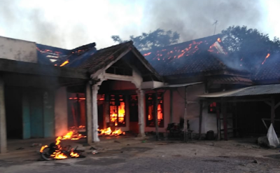 Lampung Tengah Rusuh, 1 Tewas, 1 Rumah Dibakar