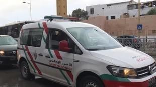 الشرطة-المغربية-تراقب-احترام-السكان-لقرار-الحجر-الصحي-للحد-من-انتشار-فيروس-كورونا