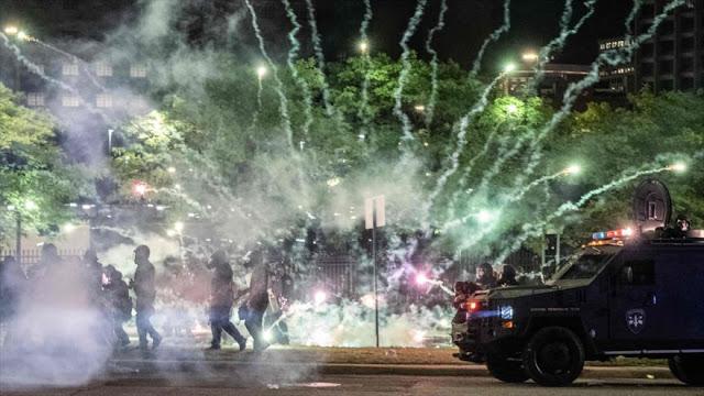 Mundo puede ver brutalidad policial; inundan las redes sociales