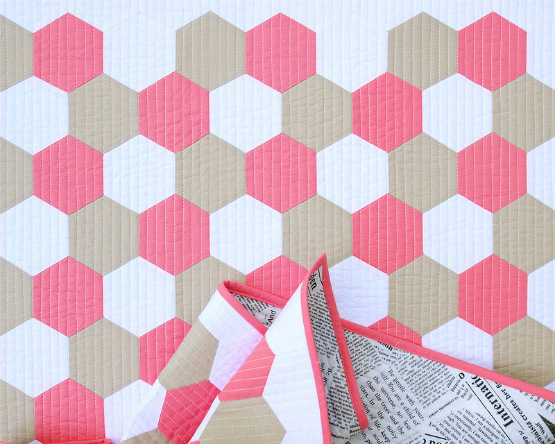Tutorial: Machine Piecing Hexagons | © Red Pepper Quilts 2017