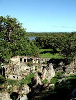 As misteriosas ruínas do Itaguá