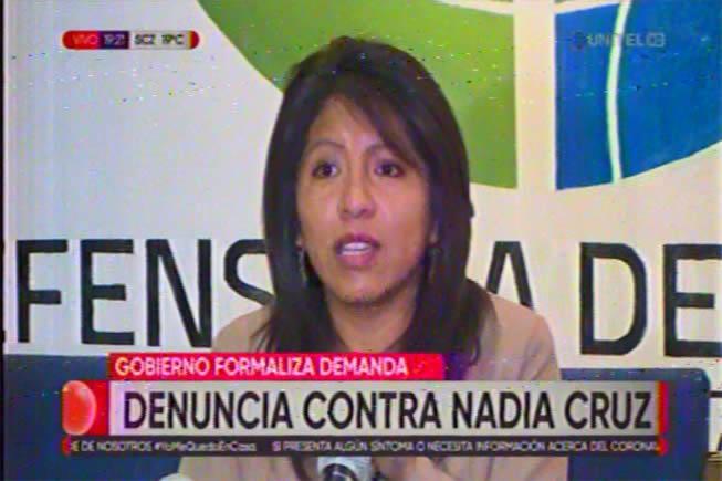 Denuncian a Nadia Cruz por ejercer ilegalmente el cargo de Defensora del Pueblo