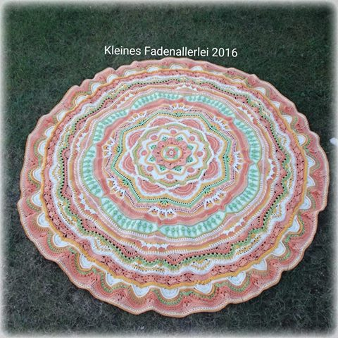 Kleines Fadenallerlei Mandala Madness Finished